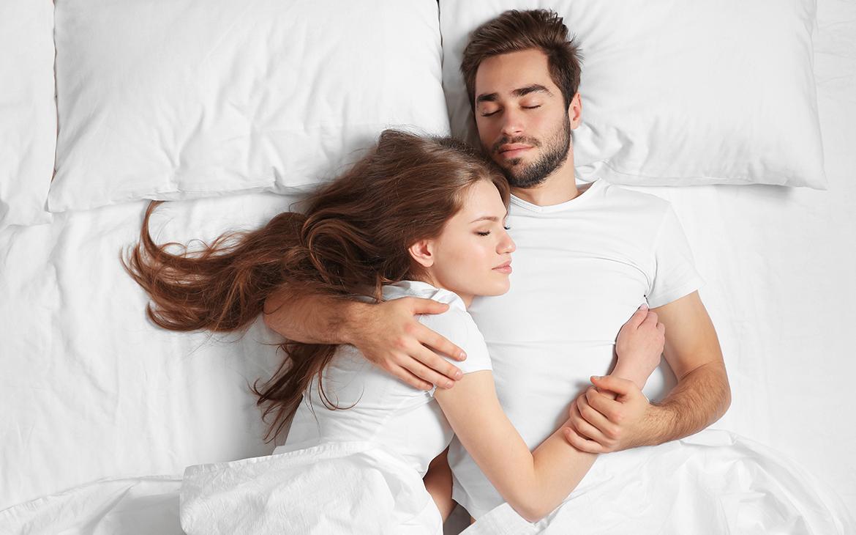 מי ישנים טוב יותר – רווקים או נשואים